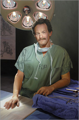 LARRY R. KAISER, MD